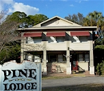 Pine Lodge Bed & Breakfast in Inglis, FL